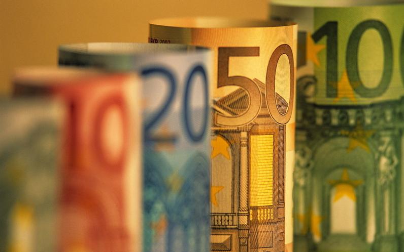Особенности воздействия на курс евро