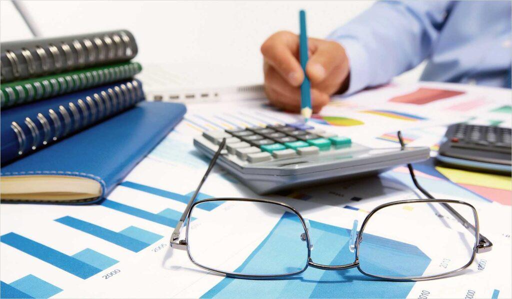 В чем заключаются главные особенности фундаментального анализа?