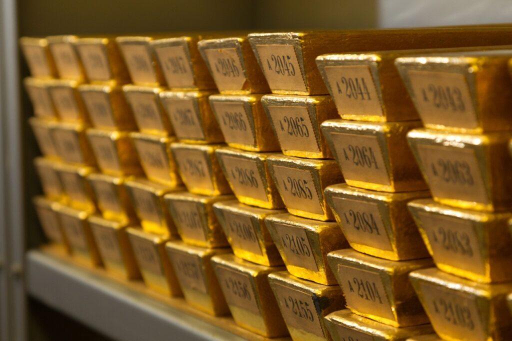Для чего нужны золотовалютные резервы мира?