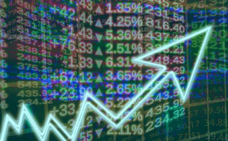 Биржи Европы растут на корпоративных известиях